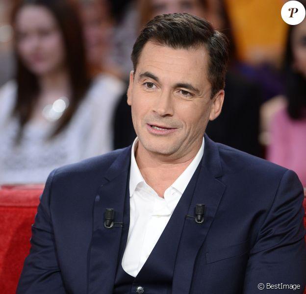 """Olivier Minne - Enregistrement de l'émission """"Vivement Dimanche"""" à Paris le 16 Décembre 2015 et qui sera diffusée le 20 Décembre 2015. Invité principal Patrick Bruel"""