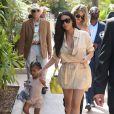 Kim, Khloé Kardashian et North West - famille Kardashian (Kourtney, Scott Disick et leurs trois enfants, Kim et sa fille North, Khloé Kardashian, Kendall Jenner Kris Jenner, son compagnon Corey Gamble et sa mère Mary Jo Campbell) passe l'après-midi à l'hippodrome Del Mar. Del Mar, le 26 juillet 2016.