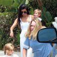 Kourtney Kardashian et ses deux enfants Penelope et Reign - La famille Kardashian (Kourtney, Scott Disick et leurs trois enfants, Kim et sa fille North, Khloé Kardashian, Kendall Jenner, Kris Jenner, son compagnon Corey Gamble et sa mère Mary Jo Campbell) passe l'après-midi à l'hippodrome Del Mar. Del Mar, le 26 juillet 2016.
