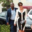 Kris Jenner et son compagnon Corey Gamble arrivent au magasin Shannon & Co appartenant à sa mère Mary Jo Campbell à La Jolla, le 27 juillet 2016.