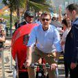 Le prince Joachim tracte ses enfants Henrik et Athena en vélo à Ipanema. La famille royale de Danemark, sous la houlette du prince Frederik, inaugurait le 2 août 2016 le pavillon danois Heart of Danemark sur la plage d'Ipanema, à Rio de Janeiro, installé dans le cadre des Jeux olympiques.