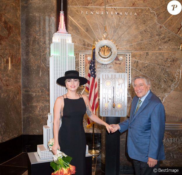 Tony Bennett illumine l'Empire State Building pour son anniversaire en présence de Lady Gaga à New York, le 3 aout 2016 © Bryan Smith via Bestimage