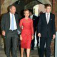 Michael Samuel, Julia Samuel (marraine), Hugh Earl Grosvenor (parrain) - Le prince William, duc de Cambridge, et Kate Catherine Middleton, duchesse de Cambridge, ont baptise leur fils, le prince George de Cambridge, en la chapelle royale du palais St James a Londres. Le 23 octobre 2013