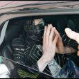 Michael Jackson assailli par des fans à la sortie d'une clinique de Beverly Hills le 16 juin 2009