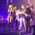 Britney Spears n'a pas reconnu le comédien Colton Haynes lorsqu'elle l'a fait monter sur scène lors de son show à Las Vegas. Août 2016.