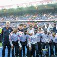 L'équipe au complet des U19 du PSG sacré Champion avec la coupe - Match de Ligue 1 PSG-Metz - 2ème journée au Parc des Princes à Paris, le 21 août 2016. Victoire du PSG 3-0. © Pierre Perusseau/Bestimage
