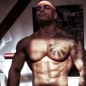 Secret Story 10 - Marvin : Son corps de rêve dévoilé sur Instagram...