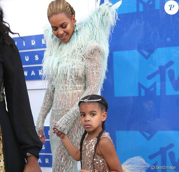 Beyoncé Knowles et Blue Ivy - Photocall des MTV Video Music Awards 2016 au Madison Square Garden à New York. Le 28 août 2016 © Nancy Kaszerman / Zuma Press / Bestimage