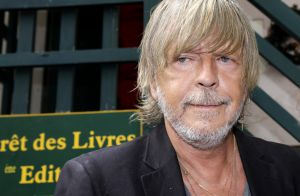 Renaud : Déclaration choc, tatouage du Christ et groupies à la Forêt des livres
