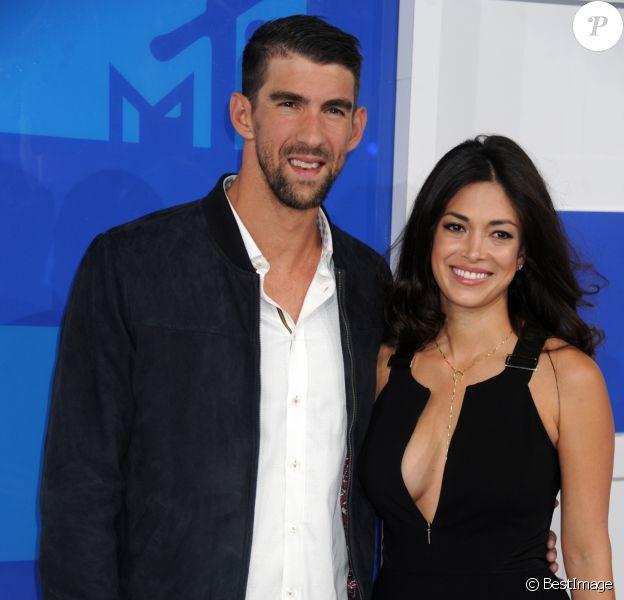 Michael Phelps et Nicole Johnson à la soirée des MTV Video Music Awards 2016 à Madison Square Garden à New York, le 28 aout 2016.