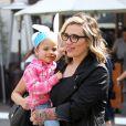 Le chanteur A. J. McLean et sa femme Rochelle Karidis sont allés faire du shopping avec leur fille, Ava McLean, à The Grove à Hollywood. Le 20 mars 2016