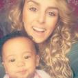 """Samantha, l'ex-compagne d'Anthony Martial et leur fille Peyton. Juillet 2016."""