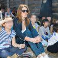 """""""Carla Bruni-Sarkozy - Présentation du programme pédagogique de la Fondation M. Fontenoy à l'école Gustave Rouanet à Paris, le 22 juin 2016. © Veeren/Bestimage"""""""