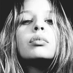 Shanna Besson Nude Photos 14