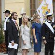 Victor Magnuson, Cajsa Larsson, Lina Frejd, le prince Carl Philip, la princesse Sofia, Jan-Ake Hansson, la princesse Victoria de Suède et son fils le prince Oscar au baptême du prince Alexander de Suède au palais Drottningholm à Stockholm le 9 septembre 2016
