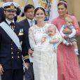 Le prince Carl Philip et la princesse Sofia de Suède lors du baptême de leur fils, le prince Alexander de Suède, au palais Drottningholm à Stockholm le 9 septembre 2016