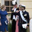 Lina Frejd, soeur de la princesse Sofia, et la princesse Victoria, le prince Carl Philip et la princesse Sofia avec le prince Alexander lors du baptême de ce dernier au palais Drottningholm à Stockholm le 9 septembre 2016