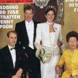 Lord Ivar Mountbatten fait la couverture de Hello !, pour son mariage avec Penny Thompson, en 1994