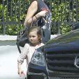 Exclusif - Kimberly Stewart se balade avec sa fille Delilah del Toro dans les rues de Los Angeles, le 11 septembre 2016