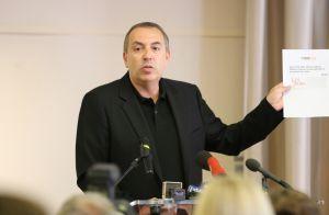 Jean-Marc Morandini toujours en garde à vue après une longue perquisition