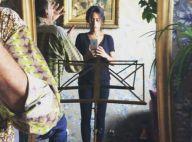 Amel Bent : Une très fine silhouette mais un très large sourire !