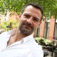 Exclusif - Jérôme Kerviel, accompagné de son avocat David Koubbi, du président de son association, et d'un ami, va se faire enlever son bracelet électronique au Service pénitentiaire d'insertion et de probation (SPIP) au 12 rue Charles Fourier, dans le 13ème arrondissement à Paris, le 26 juin 2015.