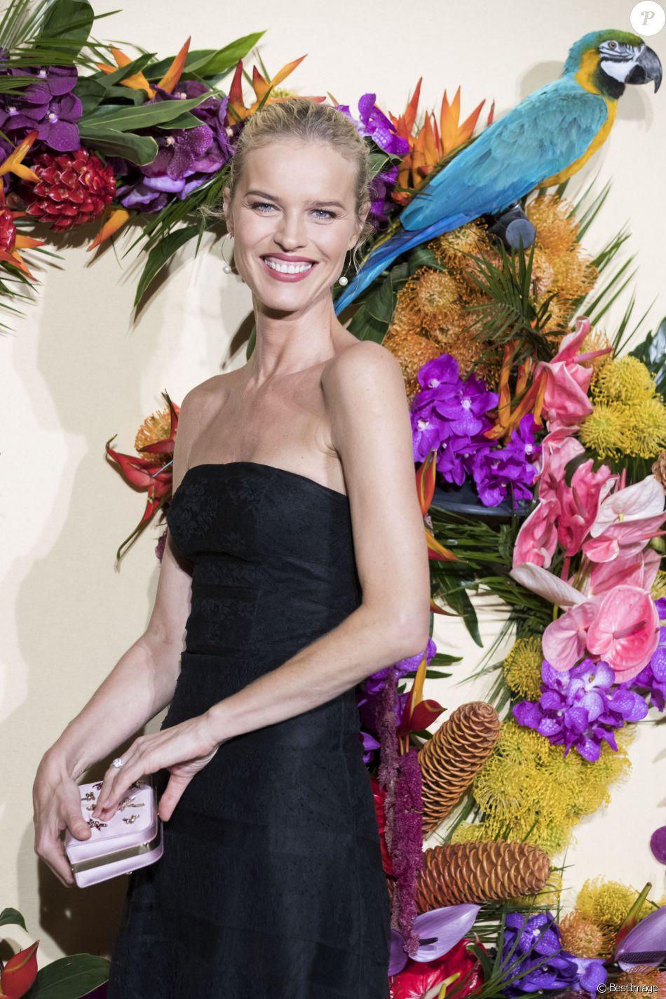 Eva Herzigova lors du Gala d'ouverture de l'Opéra National de Paris pour la saison 2016/2017, le 24 septembre 2016