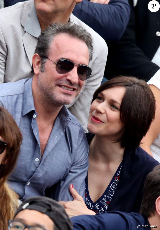 Jean dujardin et sa compagne nathalie p chalat dans les for Nathalie jean dujardin