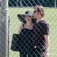 Exclusif - Brad Pitt et Angelina Jolie, très amoureux, assistent au match de football de leurs filles Shiloh (qui se fait désormais appeler John) et Zahara à Los Angeles, le 14 mars 2015