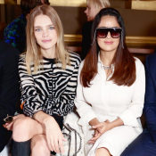 Fashion Week : Salma Hayek et Natalia Vodianova, voisines matinales à l'Opéra