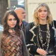 Courtney Love et sa fille Frances Bean Cobain - Défilé Chanel (collection prêt-à-porter printemps-été 2017) au Grand Palais. Paris, le 4 octobre 2016. © CVS-Veeren / Bestimage