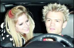 PHOTOS : Avril Lavigne, toujours aussi amoureuse de son mari... et lui aussi !