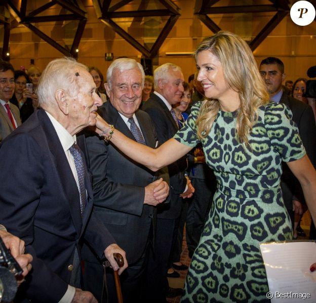 La reine Maxima des Pays-Bas a pu embrasser ses parents, Jorge Zorreguieta et María del Carmen Cerruti Carricart, à l'Université catholique d'Argentine à Buenos Aires le 11 octobre 2016 lors d'une conférence qu'elle donnait en sa qualité d'ambassadrice spéciale du secrétaire général des Nations unies pour la finance inclusive.