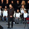 Julien Clerc - François Hollande lors de l'hommage National aux victimes de l'attentat de Nice à Nice le 15 octobre 2016 © Bruno Bebert / Bestimage