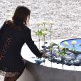 Des élèves du lycée Massena déposent 86 roses pour rendre hommage aux 86 victimes - François Hollande lors de l'hommage National aux victimes de l'attentat de Nice à Nice le 15 octobre 2016 © Bruno Bebert / Bestimage