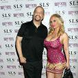 Le rappeur Ice-T et sa femme Coco Austin posent à la boîte de nuit Foxtail pour célébrer l'anniversaire de Coco à Las Vegas, le 26 mars 2016.