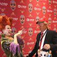 Bette Midler et guest déguisé en Donald Trump à la soirée caritative Halloween 2016 to benefit The New York Restoration Project à New York, le 28 octobre 2016 © Sonia Moskowitz/Globe Photos via Zuma/Bestimage