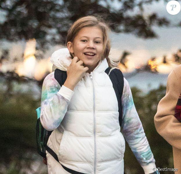 Exclusif - Michelle Williams et sa fille Matilda Ledger se promènent avec leur chien à New York, le 28 octobre 2016, le jour du 11ème anniversaire de de Matilda.