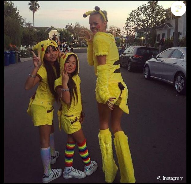 Laeticia Hallyday a fêté Halloween avec ses filles Jade et Joy, à Los Angeles. Octobre 2016.