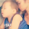 Emilie Nef Naf et son fils Menzo sur Instagram, octobre 2016.
