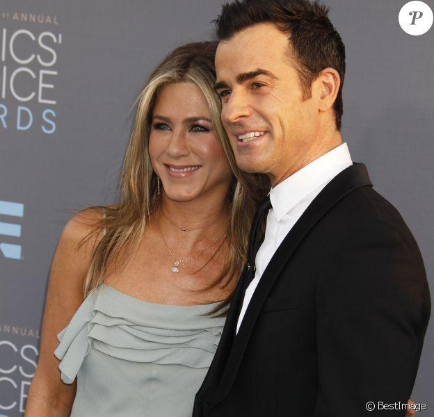"""Jennifer Aniston et son mari Justin Theroux lors du 21e gala annuel des """"Critics' choice Awards"""" à Santa Monica, le 18 janvier 2016."""