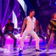"""Fauve Hautot dévoile une sublime chorégraphie de la comédie musicale Saturday Night Fever - """"Danse avec les stars 7"""" sur TF1. Le 10 novembre 2016."""
