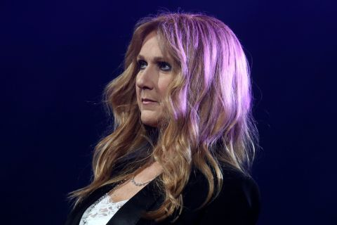 Céline Dion malade, ses médecins lui ordonnent de se reposer