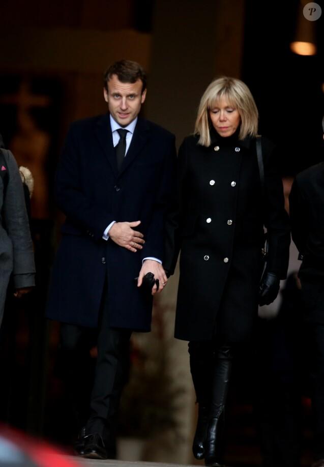 Emmanuel Macron et sa femme Brigitte à la sortie des obsèques de Henry Hermand en l'église Saint Sulpice à Paris le 10 novembre 2016. © Dominique Jacovides / Bestimage