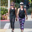 Exclusif - Reese Witherspoon et ses enfants Ava et Deacon Phillippe font un jogging à Brentwood le 9 juillet 2016.