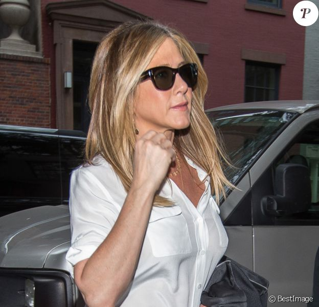 Jennifer Aniston et son mari Justin Theroux se promènent dans les rues de New York, le 28 septembre 2016