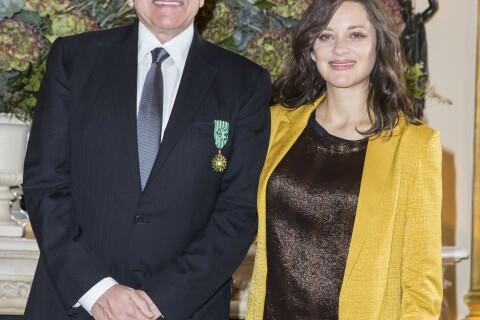Marion Cotillard enceinte : De retour à Paris et radieuse pour un bel honneur