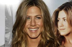 PHOTOS : Jennifer Aniston, nue et entourée d'hommes nus pour... ses photos les plus hot !