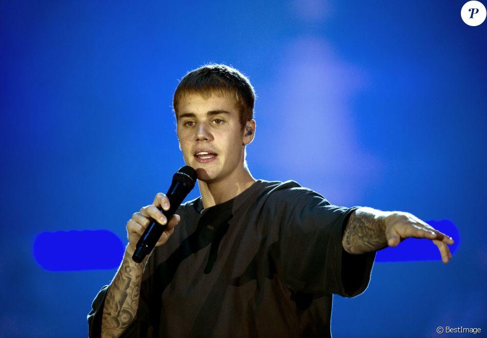 """Justin Bieber en concert à Amsterdam dans la cadre de sa tournée """"Purpose World Tour"""". Pays-Bas, le 8 octobre 2016."""
