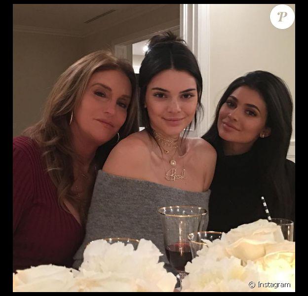 Caitlyn, Kendall et Kylie Jenner se retrouvent pour fêter Thanksgiving. Photo postée sur Instagram le 24 novembre 2016.